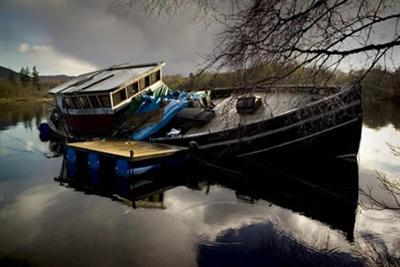 20070824181315-barcohundidolagoness.jpg