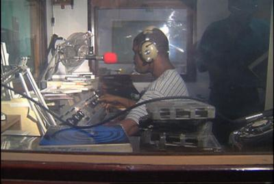 20100127211243-haiti-radio-lumiere.jpg