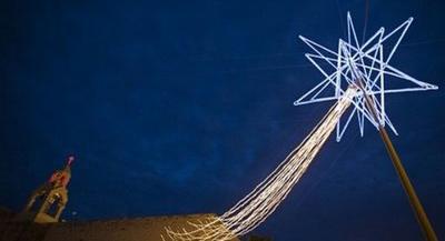 20101224110956-a-christmas-star.jpg