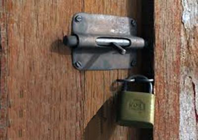 20130926113542-puerta-cerrada.jpg